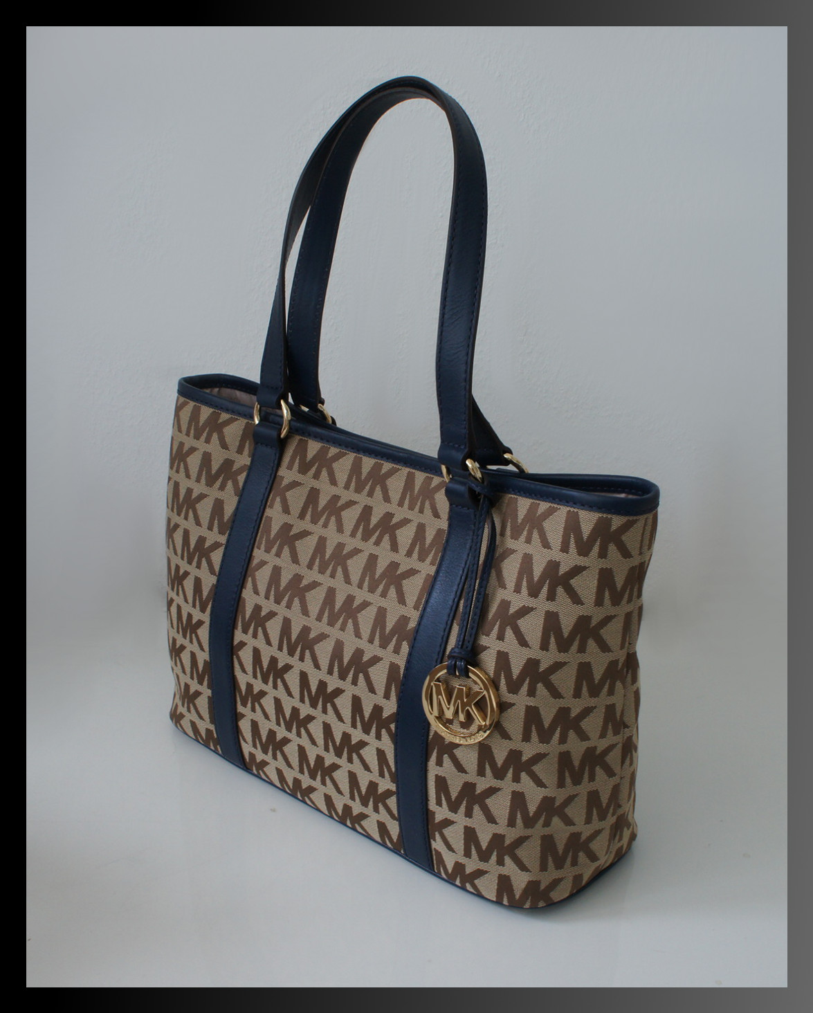 michael kors tasche summer tote handtasche leder dunkelblau beige neu ebay. Black Bedroom Furniture Sets. Home Design Ideas